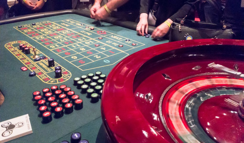 Sports Betting Strategy - Banking On Your Favorite Teams - Gambling