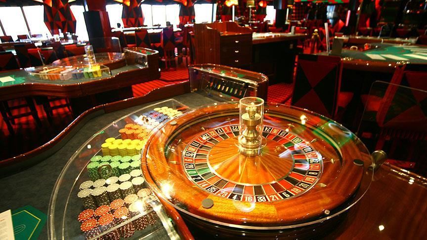 Why Should Gambling Establishment Go On The Internet?